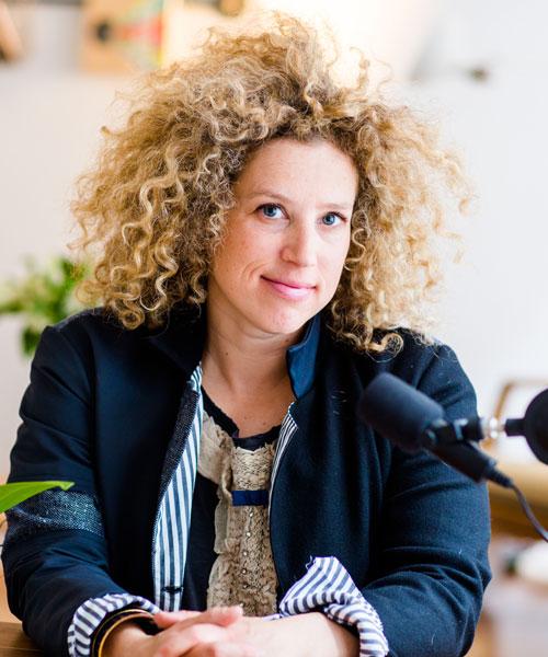 Professional Julie Cusmariu